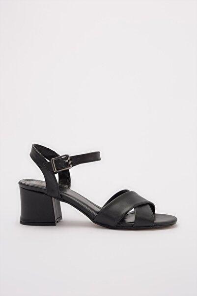 Sıyah Kadın Sandalet 01SAY179600A100