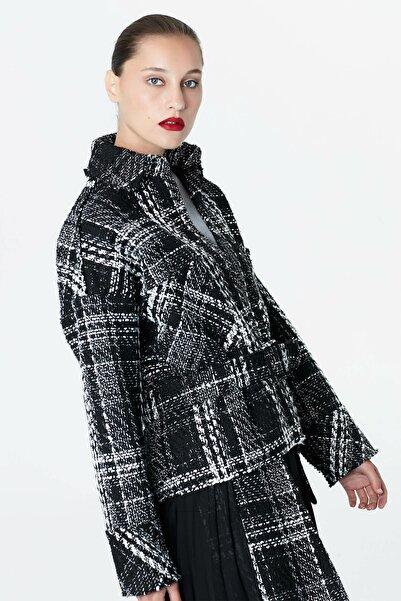 Kadın Siyah Kemerli Tüvit Mont IW6190012039001