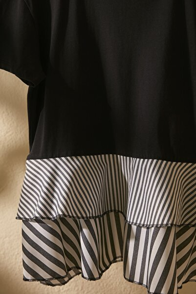 Siyah Volanlı Ve Çizgili Dokuma Detaylı Örme Bluz TWOSS20BZ1361