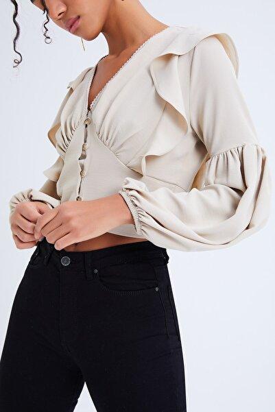 Quzu Kadın Önü Düğmeli V Yaka Fırfırlı Bluz Taş 20Y22323-063