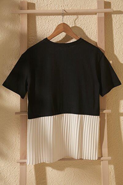 Siyah Piliseli Örme Bluz TWOSS20BZ1400