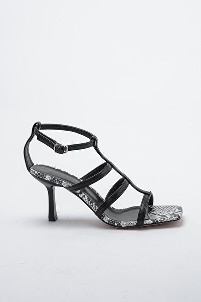 TRENDYOLMİLLA Siyah Kadın Klasik Topuklu Ayakkabı TAKSS20TO0316