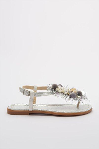 TRENDYOLMİLLA Gümüş İnci Detaylı Kadın Sandalet TAKSS20SD0013
