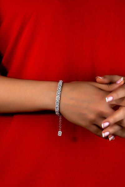 Else Silver Pırlanta Modeli Gümüş Baget Taşlı Bayan Bilekliği