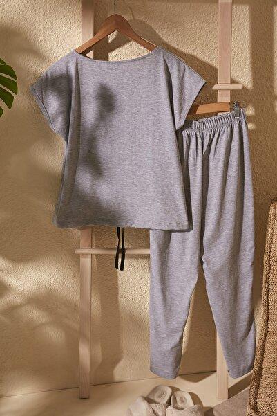 Gri Bağlama Detaylı Örme Pijama Takımı THMSS20PT0068