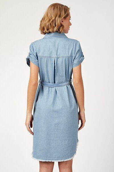 Kadın Açık Mavi Püskül Detaylı Kuşaklı Jean Elbise  DD00601