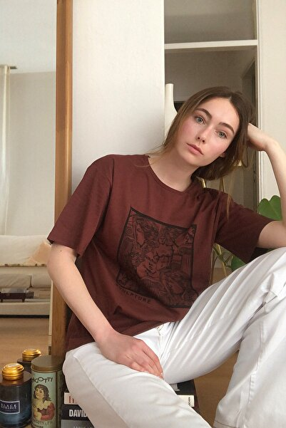 TRENDYOLMİLLA Kahverengi Baskılı Loose Kalıp Örme T-Shirt TWOSS20TS0110