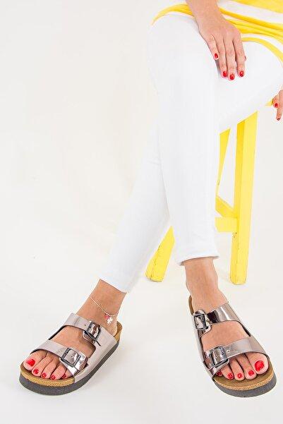 Fox Shoes Platin Kadın Terlik B777775434