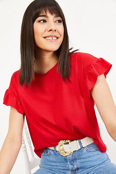 Bianco Lucci Kadın Kırmızı Kolu Fırfırlı Kaşkorse Bluz 10051015