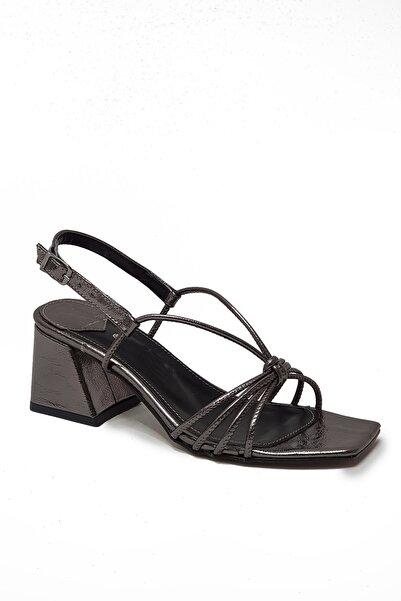 Metin Taka Luna Platin Renkli, Ince Bantlı,topuklu Kadın Ayakkabısı