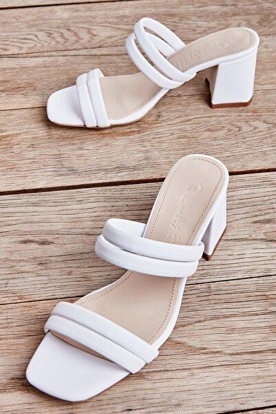 Bambi Beyaz Kadın Klasik Topuklu Ayakkabı L05035604