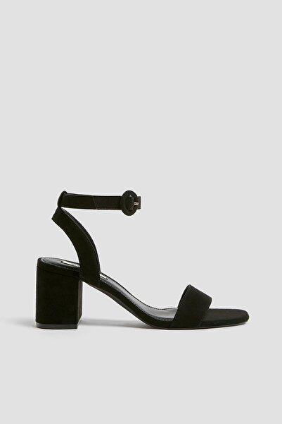 Pull & Bear Kadın Siyah Sandalet 11631541