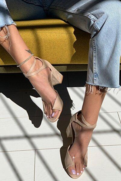 Limoya July Vizon Süet Şeffaf Detaylı Çapraz Bantlı Kare Topuklu Sandalet