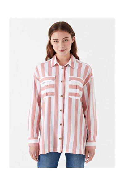 Cep Detaylı Çizgili Gömlek