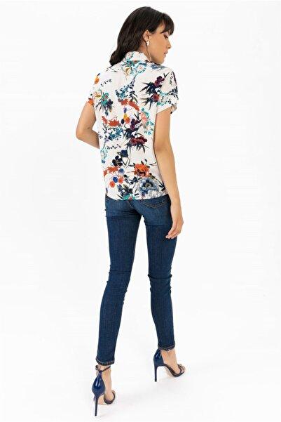 Kadın Lacivert Kısa Kol Karanfil Desen Gömlek