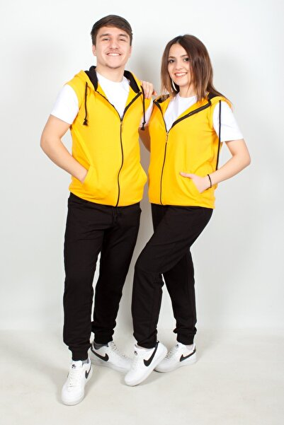 Doruk Butik Sevgili Kombini Kapüşonlu Sarı Yelek - Beyaz Kısa Kol Tişört - Siyah Eşofman Takımı