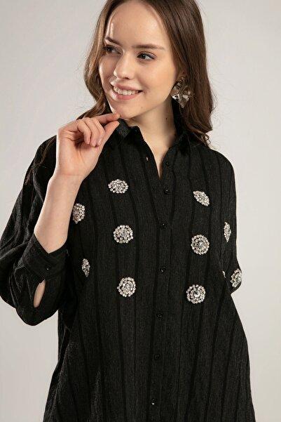 Kadın Siyah  Taş işlemeli Çizgili Yarasa Kol Gömlek  Y19W109-30518