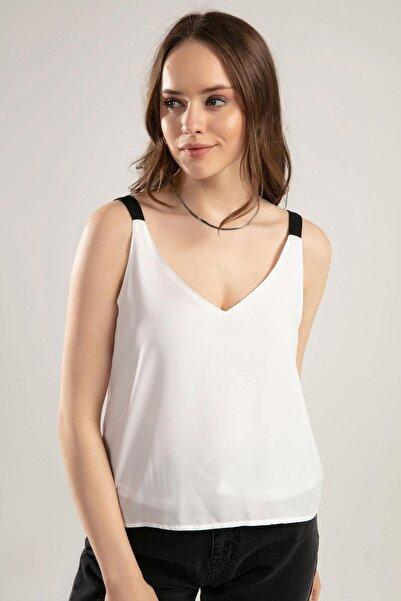 Y-London Kadın Beyaz Bant Askılı V Yaka Bluz Y20S102-1030