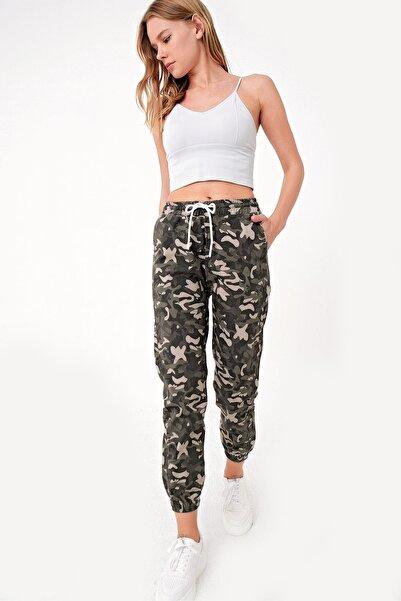 Trend Alaçatı Stili Kadın Haki Kamuflaj Desenli Pantolon ALC-X5067