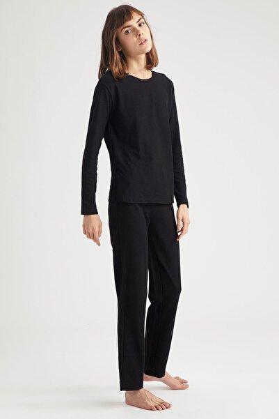 DeFacto Fit Kadın Siyah Jogger Pantolon Ve Crop Tişört Takım