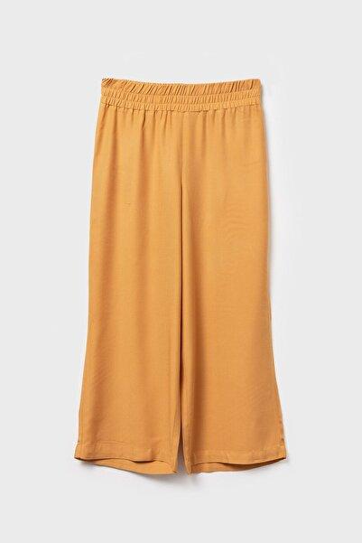 LC Waikiki Kadın Orta Sarı Pantolon 0SD574Z8