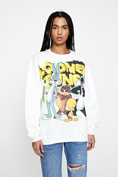 Pull & Bear Kadın Buz Rengi Beyaz Looney Tunes Görselli Sweatshirt 05597351
