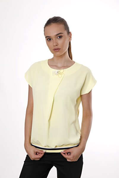 Cliche Kadın Sarı Kolsuz Yaka Pileli  Bluz