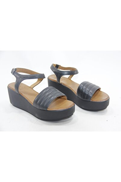 İnci Kadın Gri Hakiki Deri Sandalet Ayakkabı