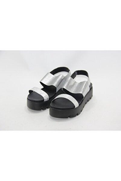 İnci Kadın Gümüş Hakiki Deri Sandalet