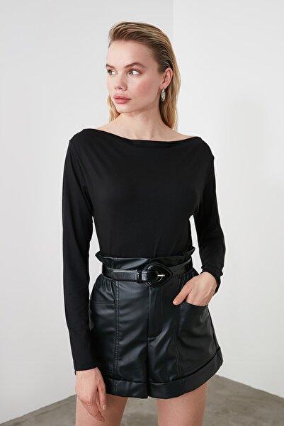 TRENDYOLMİLLA Siyah Kayık Yaka Örme Bluz TWOAW21BZ0106