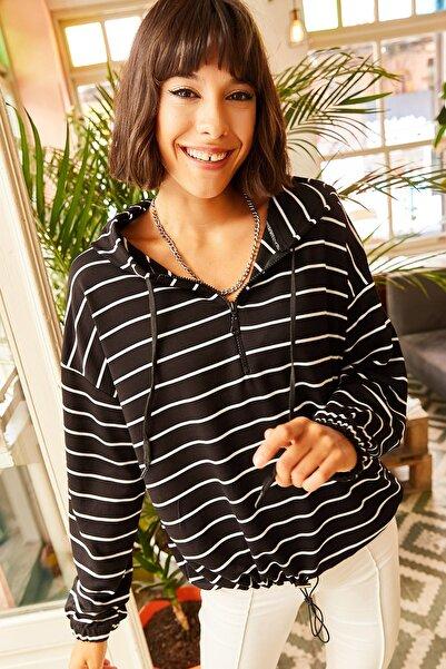 Olalook Kadın Siyah Kapşonlu Yarım Fermuarlı Altı Büzgülü Sweatshirt SWT-19000229