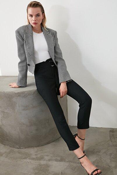 TRENDYOLMİLLA Siyah Kemer Detaylı Pantolon TWOAW20PL0600
