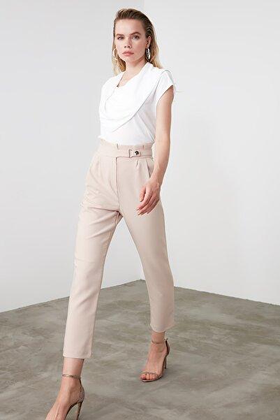 TRENDYOLMİLLA Taş Çıtçıtlı Havuç Pantolon TWOSS20PL0131