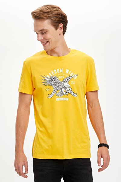 DeFacto Erkek Yellow Kartal Baskılı Slim Fit Bisiklet Yaka Pamuklu Tişört S5658AZ20HS