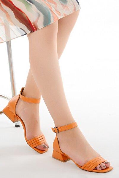 Ayakland Kadın Turuncu  Cilt Günlük Topuk Sandalet Ayakkabı 920
