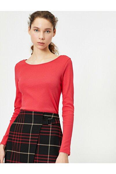 Kadın Kırmızı Geniş Yaka T-Shirt