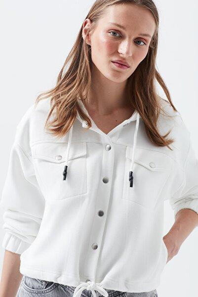 Mavi Kadın Kapüşonlu Beyaz Sweatshirt 168904-32158