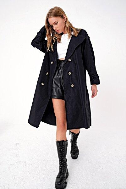 Trend Alaçatı Stili Kadın Siyah Sırt Detaylı Kemerli Oversıze Trençkot ALC-X4799-RV-1