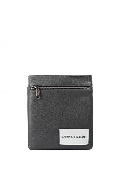 Calvin Klein Erkek  Pebble Flat Çapraz Askılı Erkek Çantası K40k400401