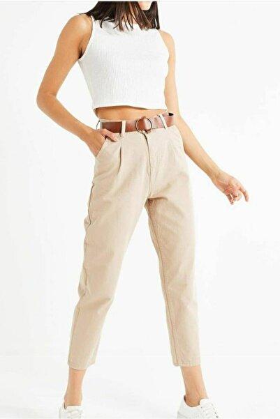 Jenska Kadın Bej Deri Kemer Detaylı Yüksek Bel Mom Fit Kanvas Pantolon