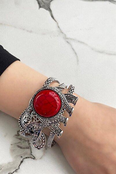 TAKIŞTIR Gümüş Renk Fil Figürlü Kırmızı Renk Taşlı Bileklik