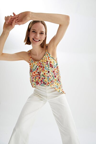 DeFacto Kadın Pembe Tropik Desenli Kare Yaka Ayarlanabilir Askılı Relax Fit Bluz