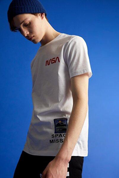 DeFacto Erkek Coool Standart Fit Nasa Lisanslı Bisiklet Yaka T-Shirt