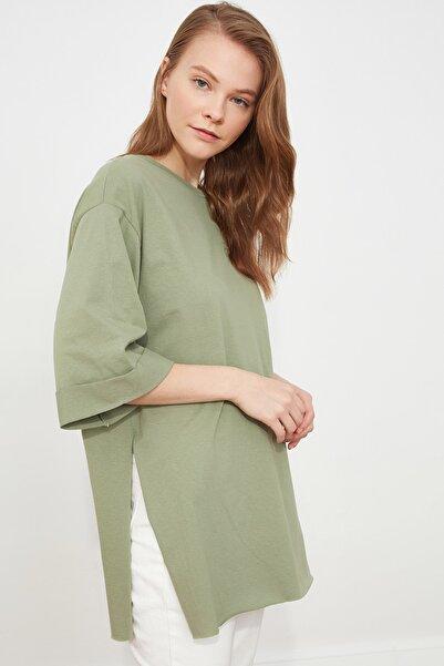TRENDYOLMİLLA Mint Duble Kol Asimetrik Boyfriend Örme T-Shirt TWOSS20TS0828