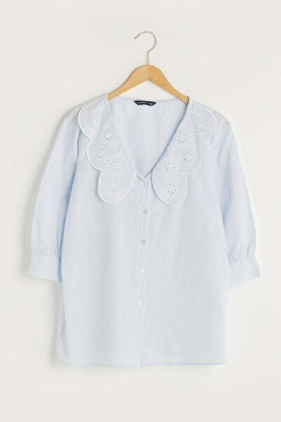 LC Waikiki Kadın Orta Mavi Classic Gömlek