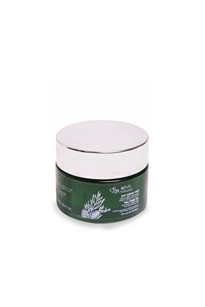Bade Natural Çay Ağacı Yağı Akneye Eğilimli Ciltler İçin Günlük Balm 8681529833250