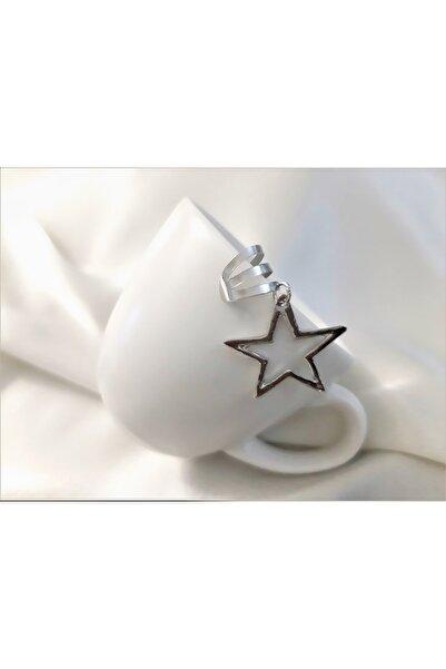 TÜKKAN ACCESSORİES Yeni Tarz Gümüş Kaplama Yıldız Sallantılı Figür Kıkırdak Küpe