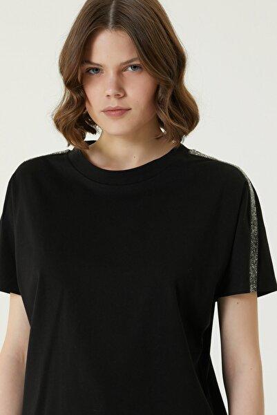 Network Kadın Basic Fit Siyah İşleme Detaylı T-shirt 1079547