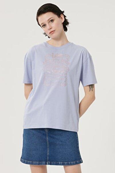 Kadın Açık Mor Kısa Kollu %100 Pamuk Grafik Desenli Sıfır Yaka Tişört
