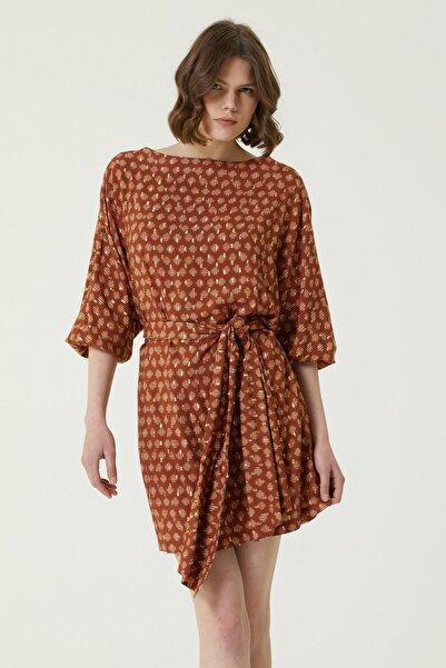 Network Kadın Regular Fit Desenli Kuşak Detaylı Mini Elbise 1079495